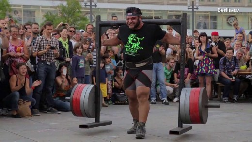 VEGAN : Patrik Baboumian 555 Kilogram World record
