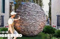 Comment cet artisan tisse d'énormes sculptures en bois